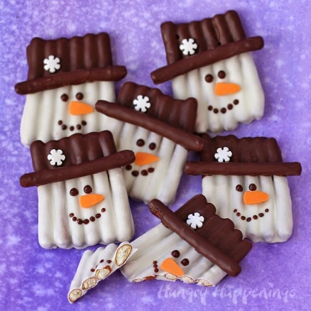 chocolate-snowman-pretzel-craft-sticks-popsicle-crafts