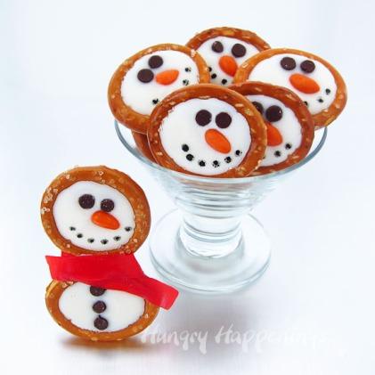 snowman-pretzels-white-chocolate-snowman-pretzel-rings-winter-recipes-christmas-edible-craft-ideas-for-kids-snowman-chocolates-copy